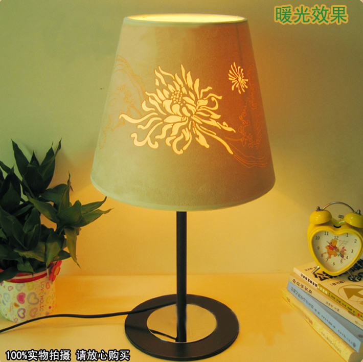 Red Floria Cover Black Base Bedside Table Lamps Wholesale