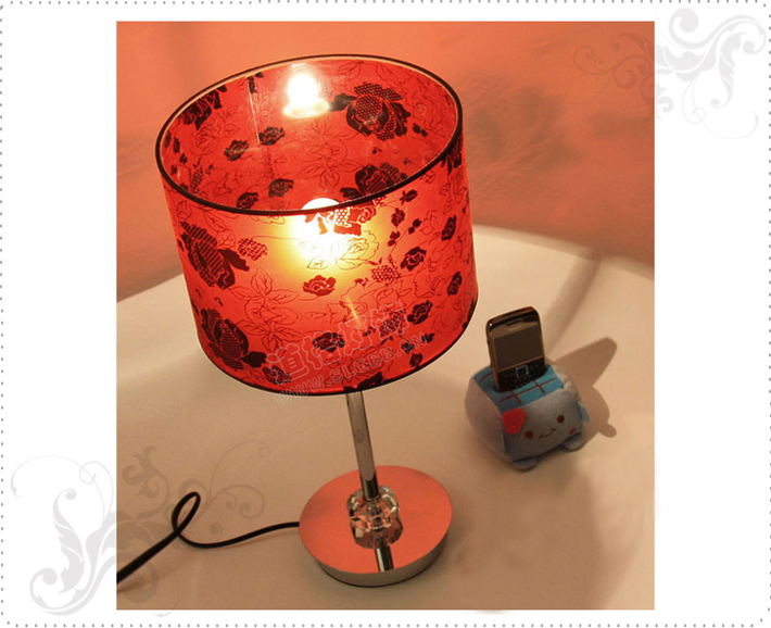 Refined Red Art Printed Table Lamps with Three Crystal Balls