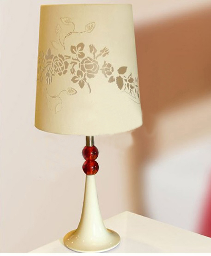 Classy Offwhite Table Lamps with Red Acrylic Balls