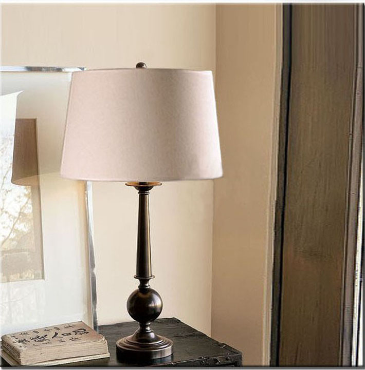White Cloth Art Chrome-Plated Modern Table Lamps