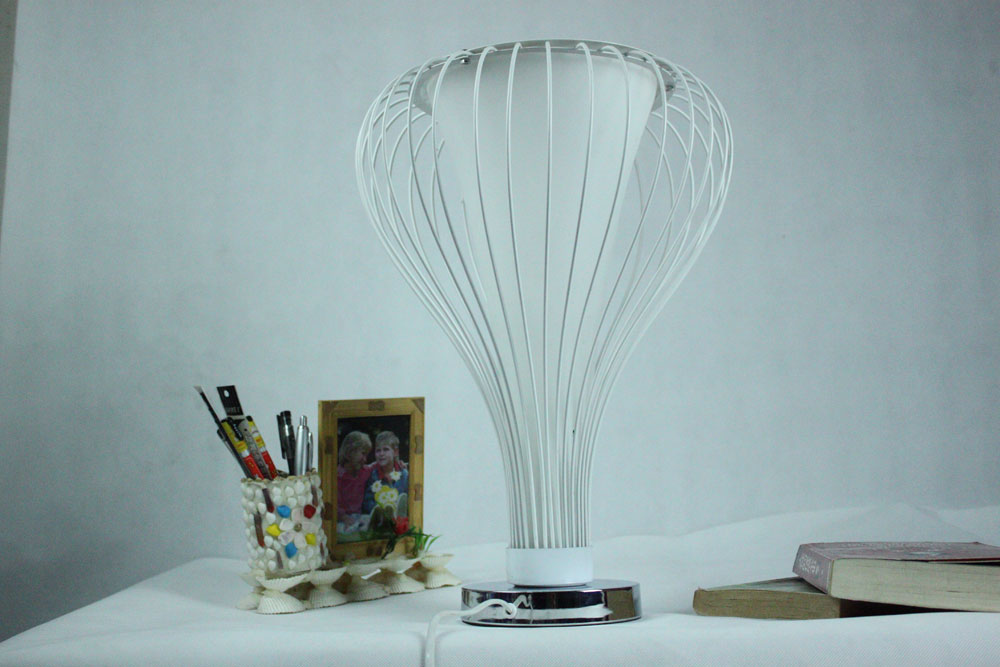 White Wire Table Lamp Chrome, Black Table Lamp - Click Image to Close